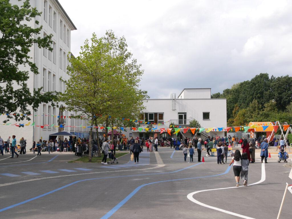 Eröffnung Schulhof Fischerhuder Straße